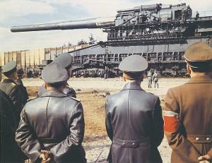 historical-photos-rare-pt2-hitler-gustav-railway-gun